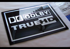 Dolby Digital True HD Plexi skylt