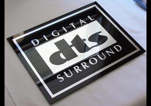 DTS Plexi  skylt