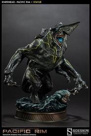 Pacific Rim: Knifehead statue