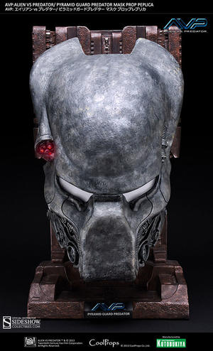 Pyramid Guard Predator Mask Prop Replica