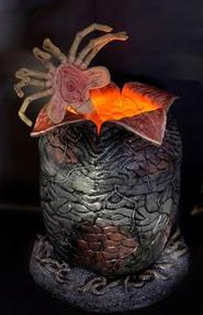 Alien: Life Sized Alien Egg and Facehugger Prop Replica