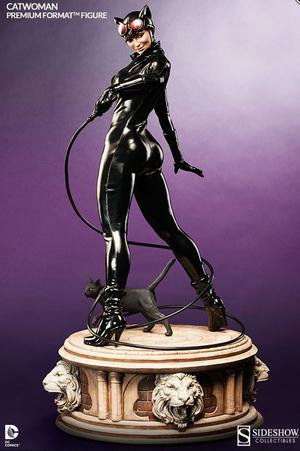 DC Comics: Catwoman Premium Format